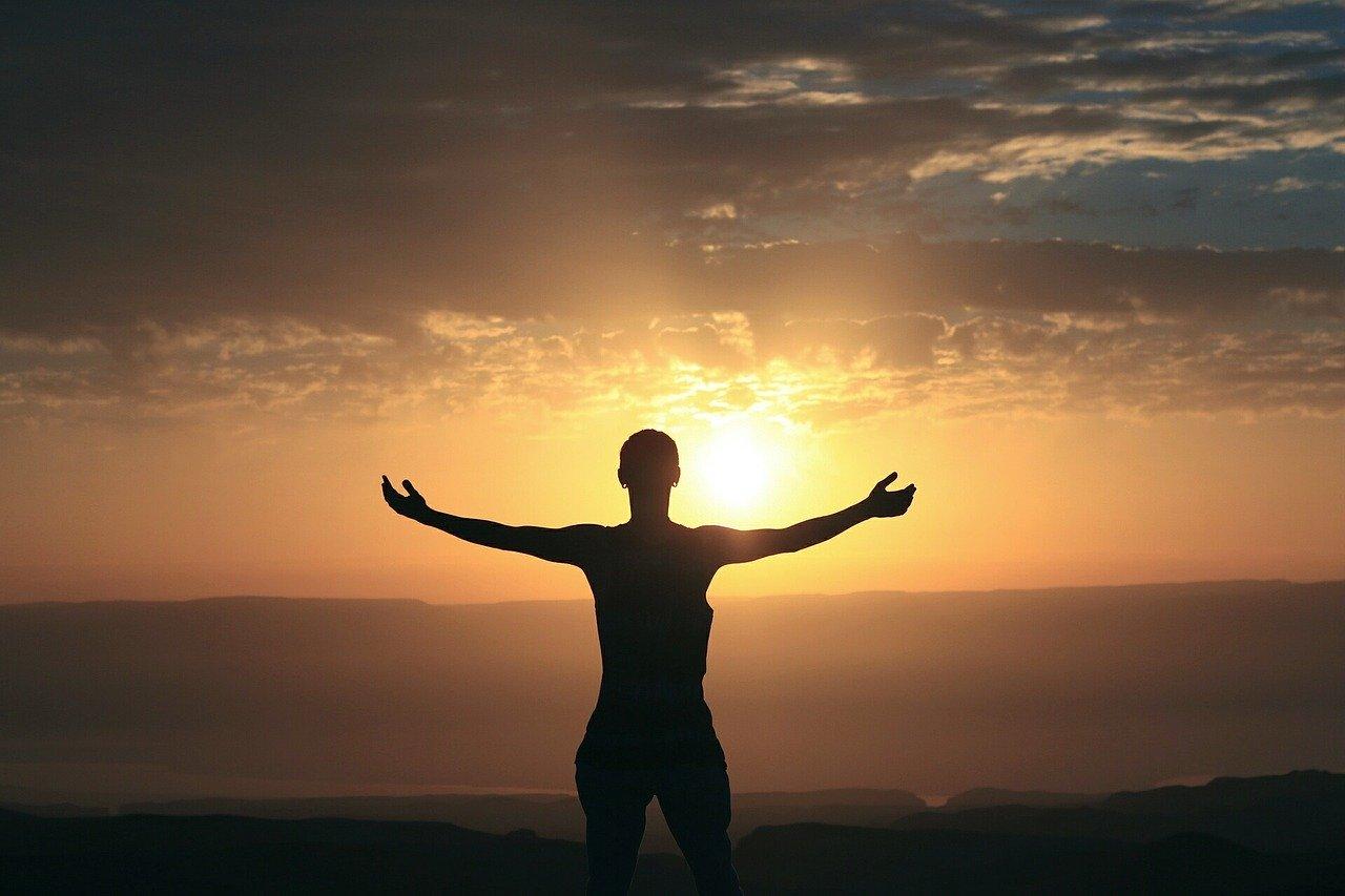 Sport hat eine positive Wirkung auf unsere Psyche.  Eine regelmäßige aktive Bewegung kann die psychosoziale Gesundheit fördern, erhalten oder wiederherstellen.  Bewegung und Sport wirken sich positiv auf die Befindlichkeit und das Wohlbefinden aus.